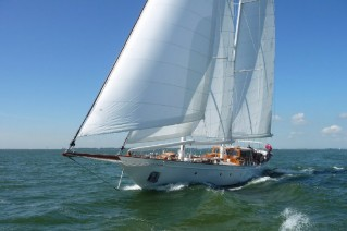 95 Classic superyacht Neorion by Bloemsma and Oliver van Meer on