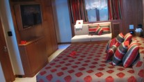 AB NORMAL motor yacht Master suite