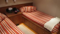 AB NORMAL motor yacht twin guest cabin