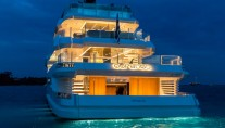 ADMIRAL MOTOR YACHT OURANOS AFT VIEW BY NIGHT