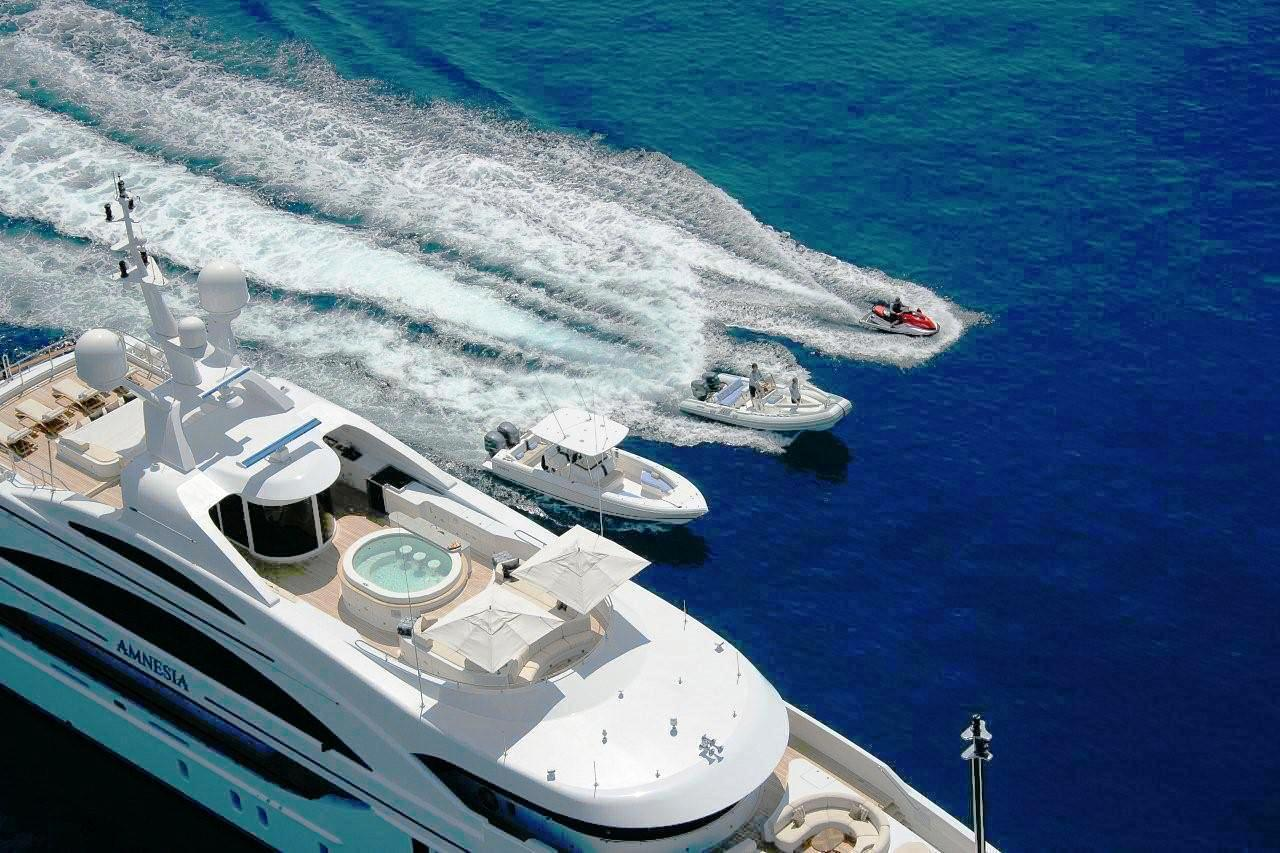 Water Toys Image Gallery Luxury Yacht Gallery Browser