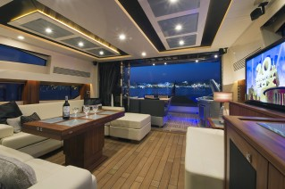 AQUA BLUE Ireland -  Salon looking Aft