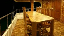 AREVARA - Lower deck al fresco dining