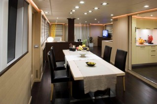 ARIA Yacht - Dining and galley