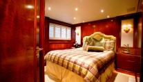 ASPEN ALTERNATIVE -  Guest Suite Starboard