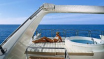 AZIMUT 98 - Flybridge and Spa Pool