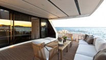 Al fresco area on the superyacht SL 100 New