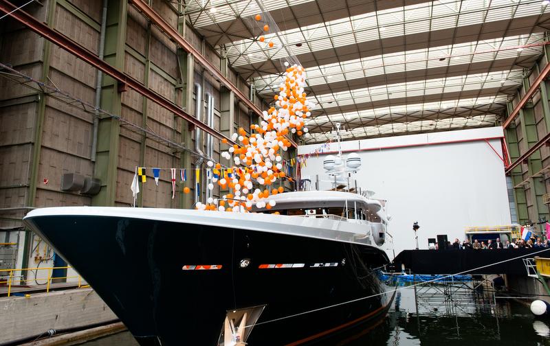 yacht gene machine  an amels superyacht