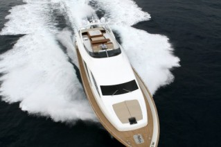 Amer 92 superyacht at full speed.JPG