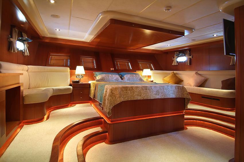 Gullet arabella arabella master cabin luxury yacht for By the cabin catamaran charters
