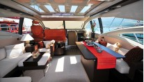 Azimut 68S Salon Forward