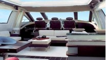 Azimut Mojito -  Salon and Pilot house
