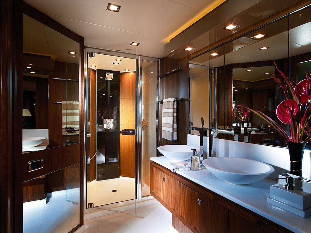 luxury yacht charter blade 6 baltazar master ensuite sunseeker