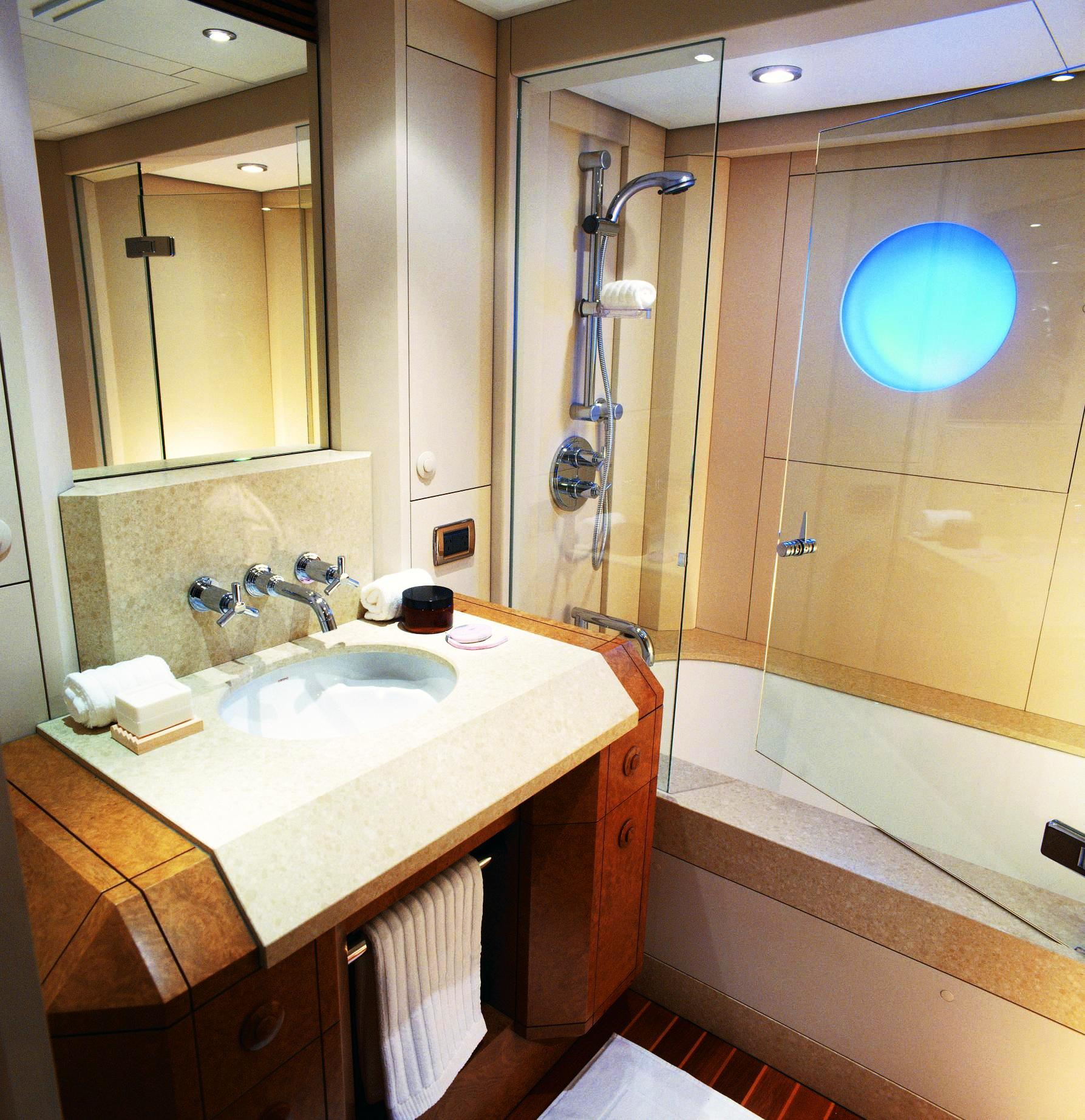 Boats With Bathrooms gallery. Boats With Bathrooms gallery   A1houston com