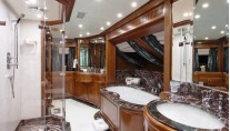 BEVERLY - Master Ensuite