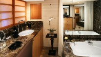 BLIND DATE Lurssen 41m -  Master Bathroom