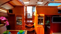 BLUE PHOENIX - Salon view aft