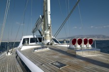 BLUE PHOENIX - Spacious foredeck