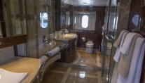 BOPS Yacht - Bathroom