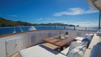 BROADWATER - Upper foredeck