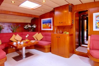 Baltic yacht MIDNIGHT SUN OF LONDON - Salon