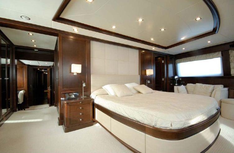 Benetti 122 Motor yacht -  Master Cabin