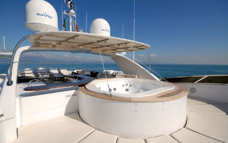 Benetti 122 Motor yacht -  Spa Pool on Sundeck