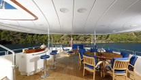 Benetti MY DOMANI - Upper deck and bar