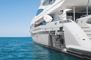 Benetti MY H - main Deck