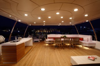 Benetti Tradition 105 Upper Deck .png