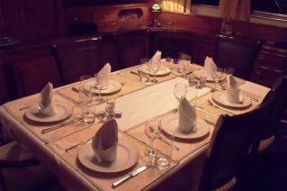 Benetti Yacht FAVORITA -  Formal Dining
