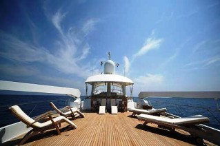 Benetti Yacht INDIA -  Spacious Sundeck