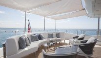 Benetti motor yacht H - upper deck seating