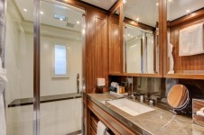 Benetti yacht DREW - Guest ensuite