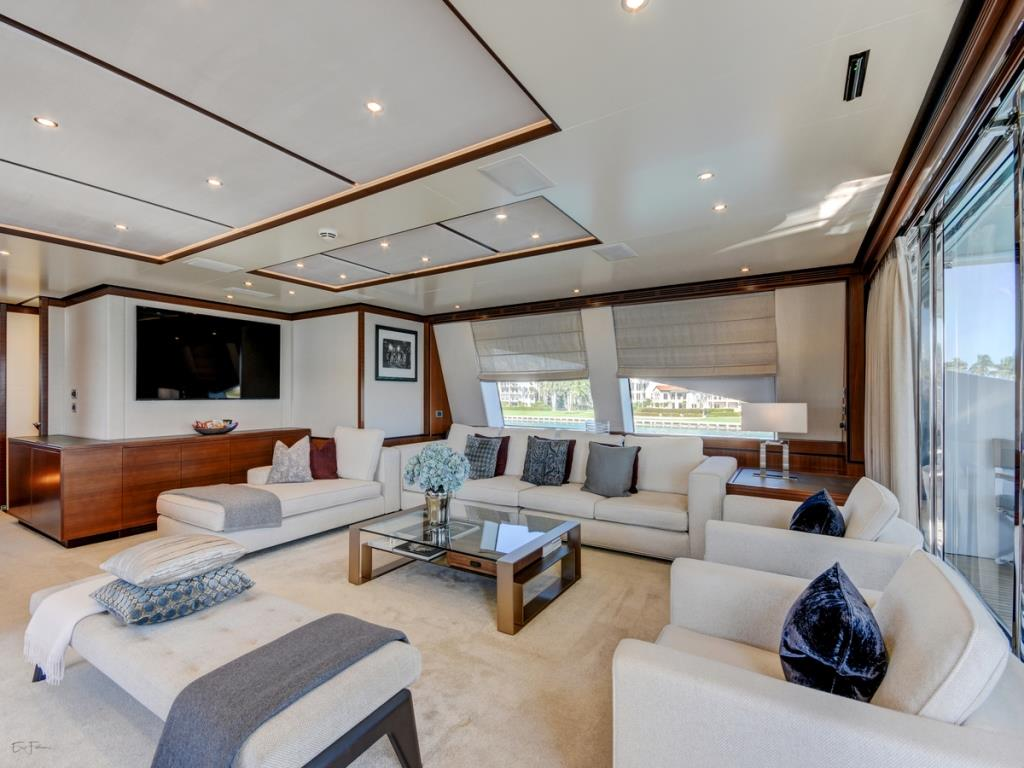 Benetti yacht DREW - Skylounge