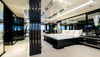 Benetti yacht SILVER ANGEL - Master stateroom on main deck forward