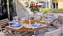 CAROBELLE - Alfresco dining aft deck