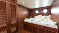 CHONOS superyacht- Double cabin