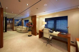 Master Office Image Gallery Luxury Yacht Gallery Browser