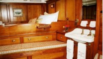 CORAL OF COWES -  Master Cabin 2