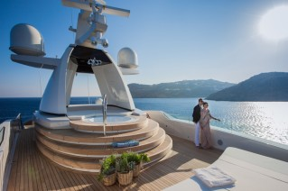 CRN Motor Yacht SARAMOUR - Jacuzzi