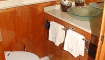 Captiva - Guest bathroom