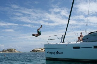 Cat AMAZING GRACE -  Jumping off Bow