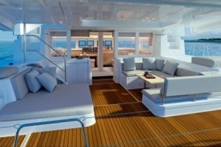 Cat FREEDOM -  Aft Deck