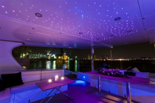 Catamaran DREAMLINER -  Aft Deck at Night