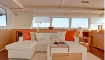 Catamaran ENIGMA -  Salon Seating 2