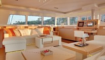 Catamaran Firefly -  Salon View 1
