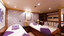 Catamaran SPIRIT 35 -  Twin Cabin