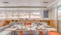 Catamaran SPLIT SECOND - Formal dining