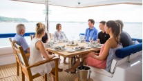 Catamaran WINDQUEST - Aft Deck Dining